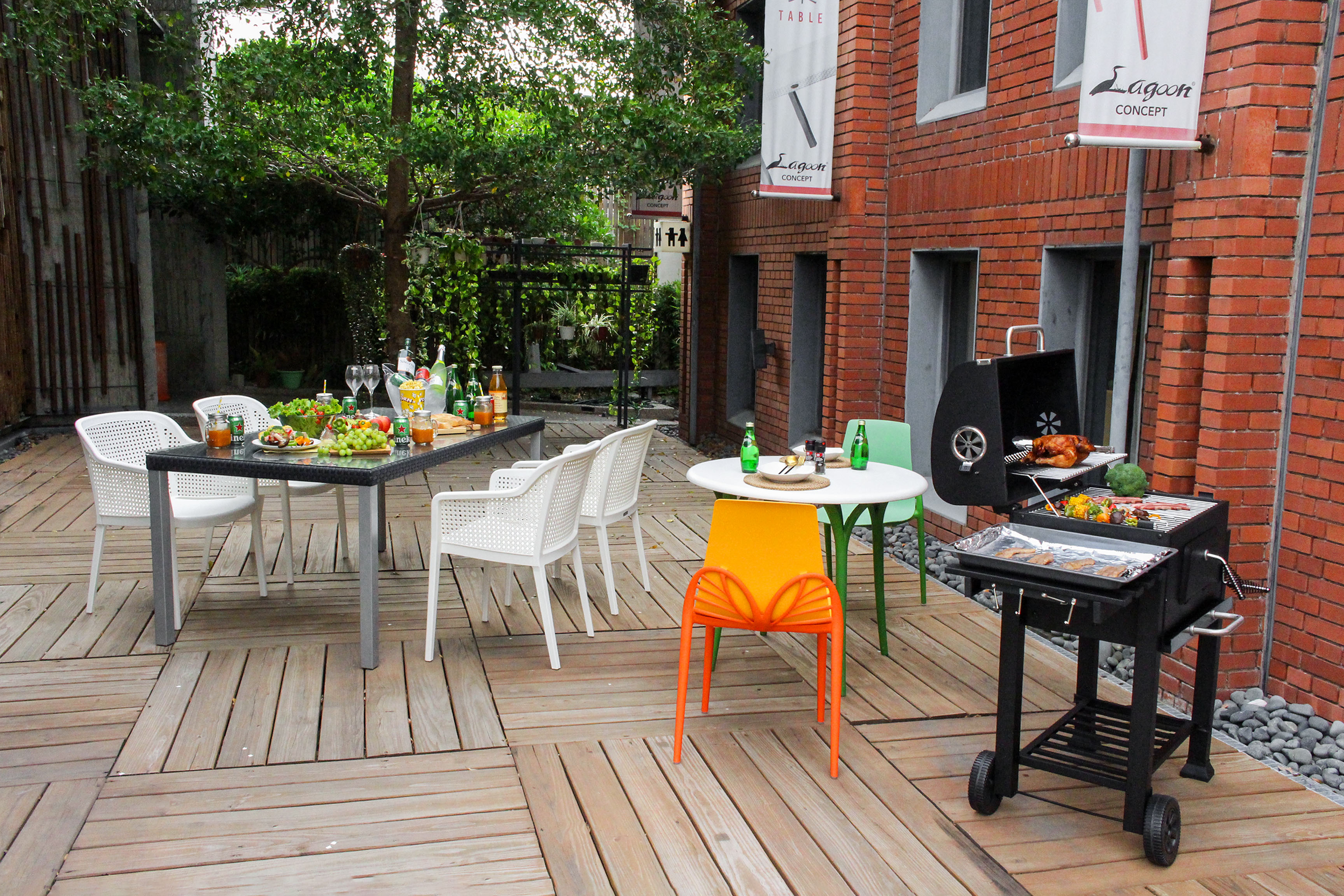 Cook, eat, laugh with friends in the backyard.